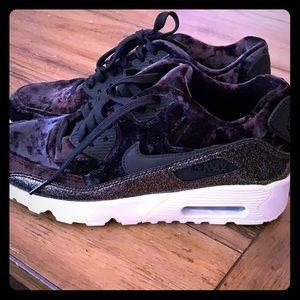 NEVER WORN Velvet & Glitter Nike Air Max